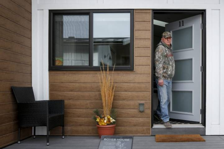 Tiny homes provide hope for homeless military veterans in Calgary