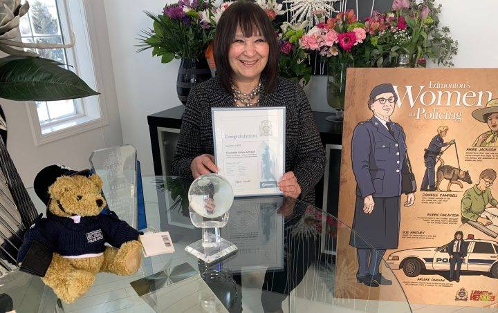 Edmonton police officer recognized for more than four decades of service