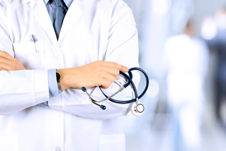 Alberta doctors ask for healthcare changes to be halted amid COVID-19 in open letter to Kenney government