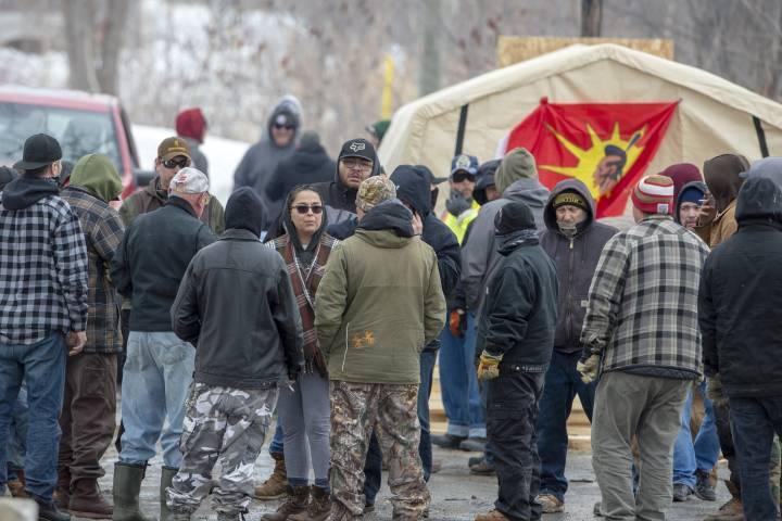 Indigenous people in Canada facing racism over Wet'suwet'en solidarity blockade action