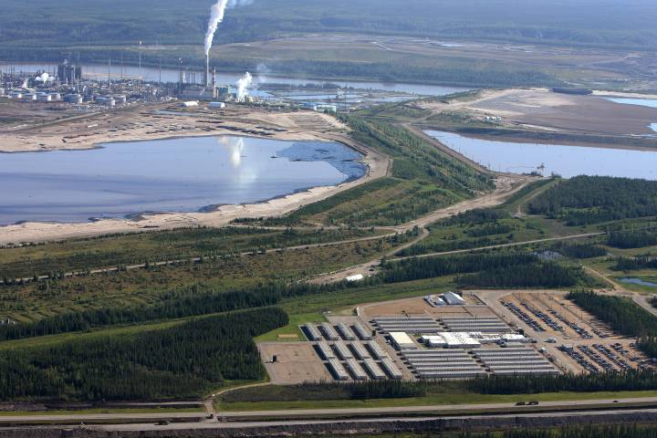 'We did it right:' COVID-19 scare at oilsands work camp tests businesses' plans