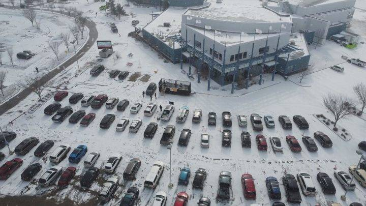 Drive-in Easter Sunday service held in Fort Saskatchewan parking lot amid COVID-19 pandemic