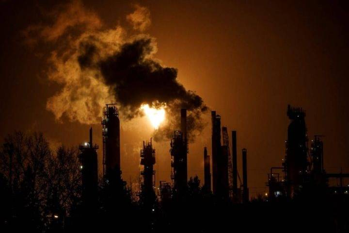 4 Canadian energy firms blacklisted by world's largest wealth fund over high emissions