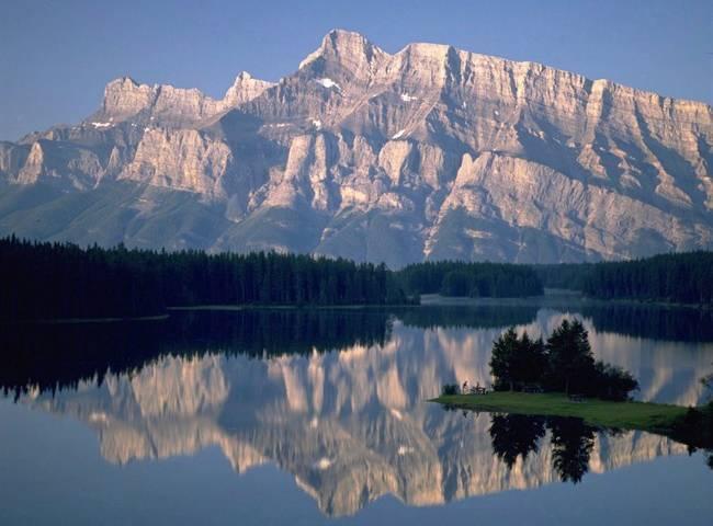 Alberta tour operators prepare for a year of losses