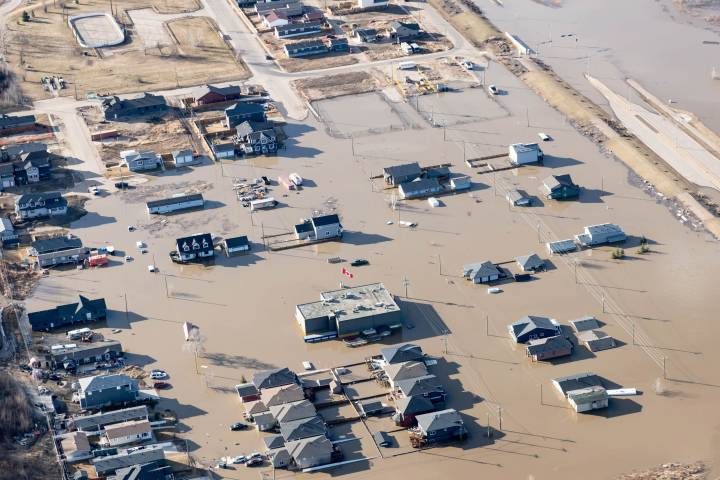 Flood-ravaged Fort McMurray residents warned not to use generator 'to feed their homes' electrical panel'