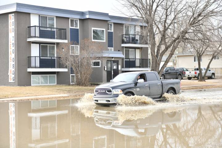 Fort McMurray lifts all flood-related mandatory evacuation orders