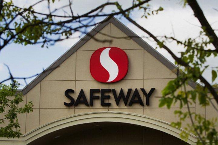 Alberta Safeway workers mulling strike over stalemate union talks