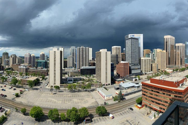 Calgary, parts of south-central Alberta put under thunderstorm warning Sunday