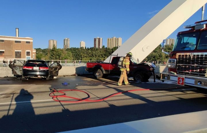 Edmonton's Walterdale Bridge closed in both directions after crash
