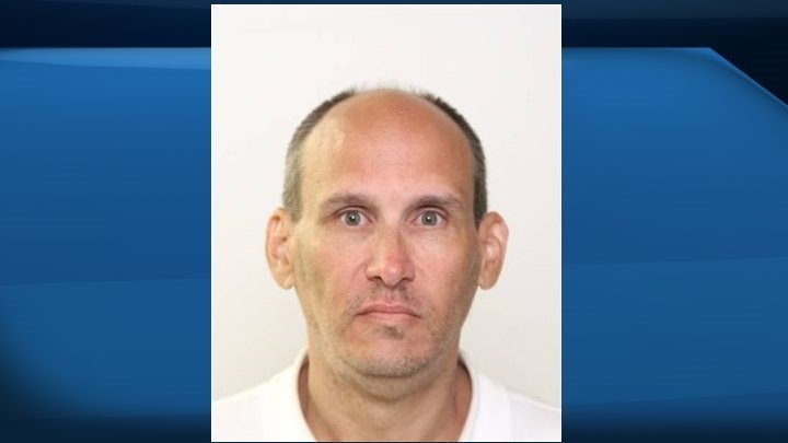 Edmonton police issue warning to public after convicted sex offender released on bail