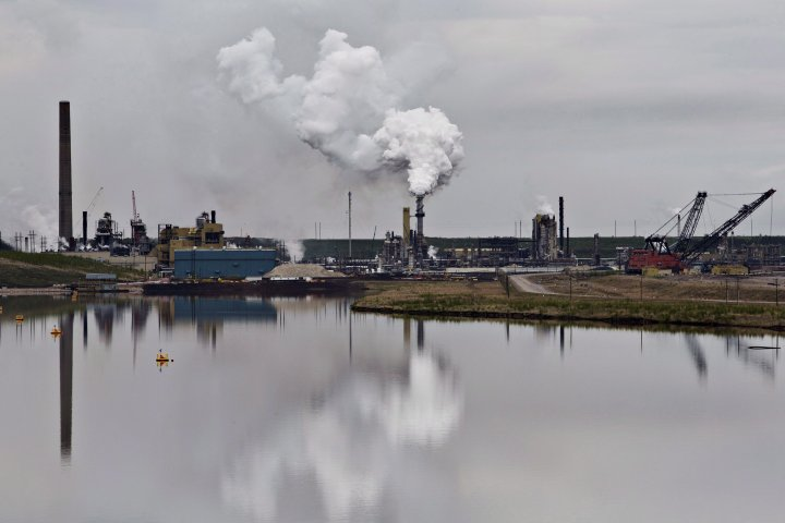Environmental law group seeks to stop Alberta's inquiry into who funds oil critics
