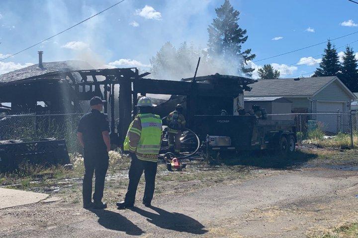 Fire destroys west Edmonton garage Saturday