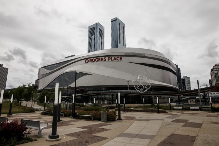 NHL hubs in Edmonton, Toronto offer morale boost but no economic benefit: experts