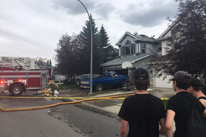 3 homes damaged by fire in Calgary's Chapparal neighbourhood