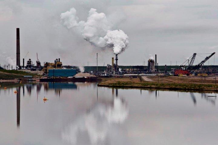 Alberta, Ottawa sign deal that cuts major environmental monitoring of oilsands