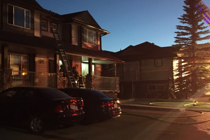 Fire investigator probes cause of northwest Calgary house fire