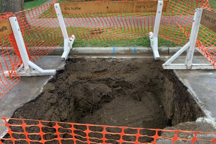 Sinkhole causes headache in south Edmonton neighbourhood