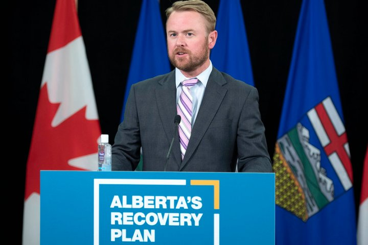 Alberta to expand use of privately run day clinics to ramp up surgeries by 150%