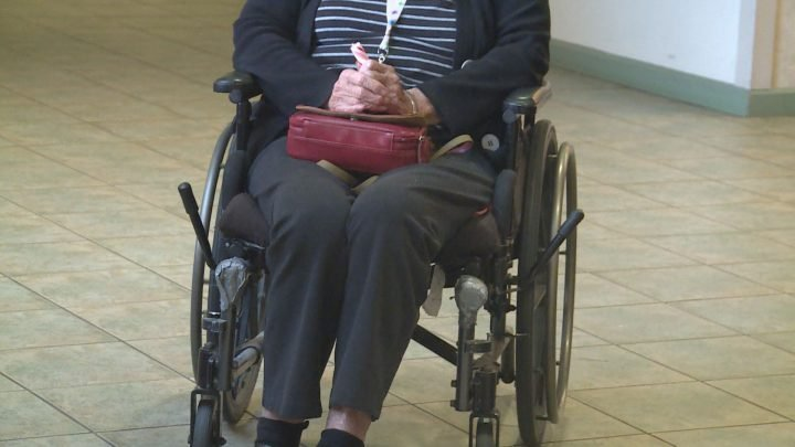 COVID-19: Concerns raised over eased restrictions at Alberta continuing care, seniors facilities