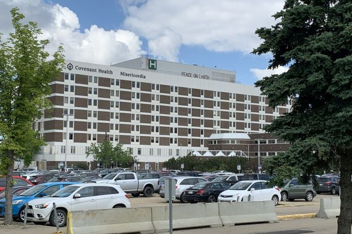 COVID-19: Several staff members at Edmonton's Misericordia Hospital self-isolating as precaution after social event