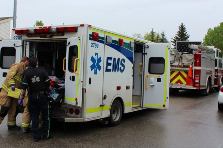 'It will cost lives': Alberta mayors continue fight against EMS dispatch changes