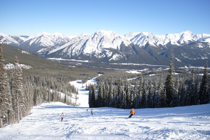 Canadian ski resorts seeing busy start to season thanks to COVID-19