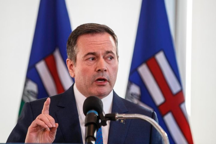 Kenney warns stronger measures could be in store for Alberta as COVID-19 cases rise by 991 Sunday