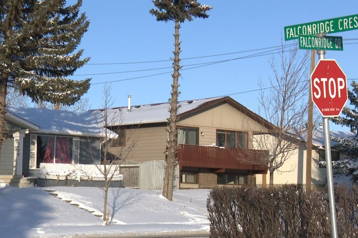 Rising COVID-19 cases putting strain on Calgary charity organization