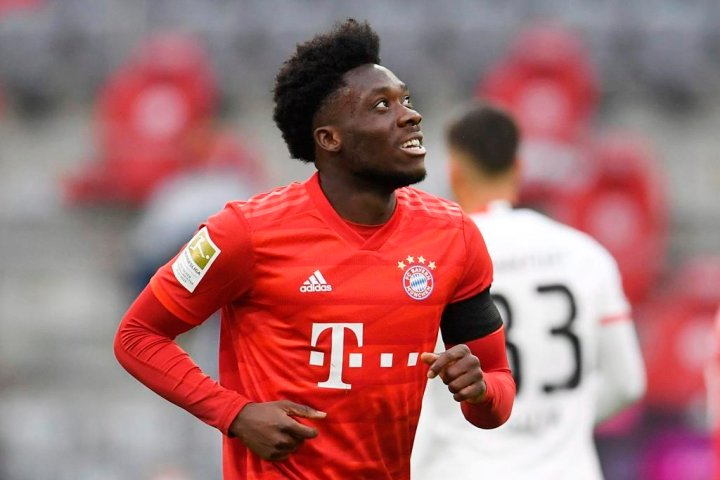 Alphonso Davies wraps up remarkable year with Bayern by winning Lionel Conacher Award