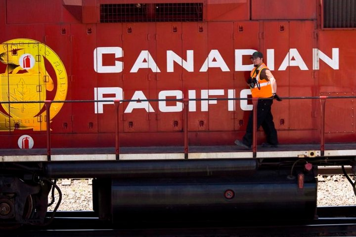 Canadian Pacific Railway reaches tentative deal with union representing signal maintainers