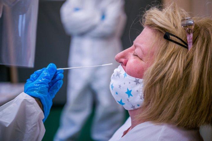Alberta records an estimated 900 cases of COVID-19 Saturday