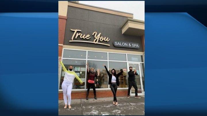 COVID-19: Calgary hair salon considers opening despite public health orders