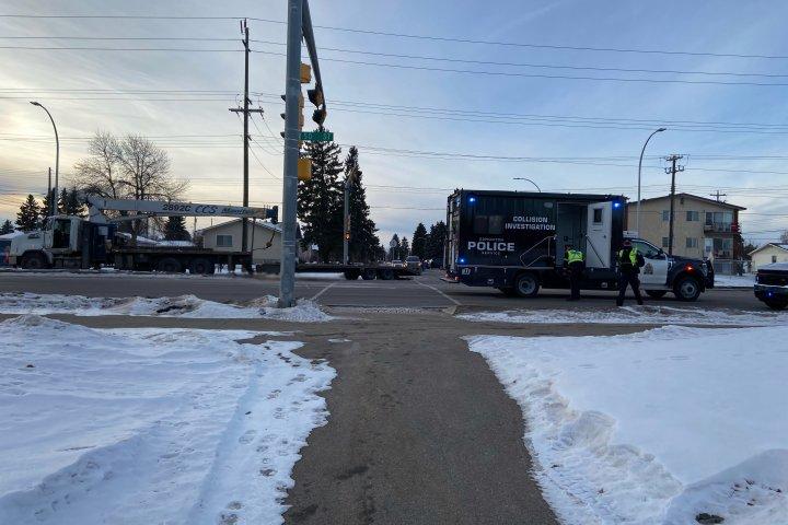 Serious crash shuts down 50 Street in east Edmonton