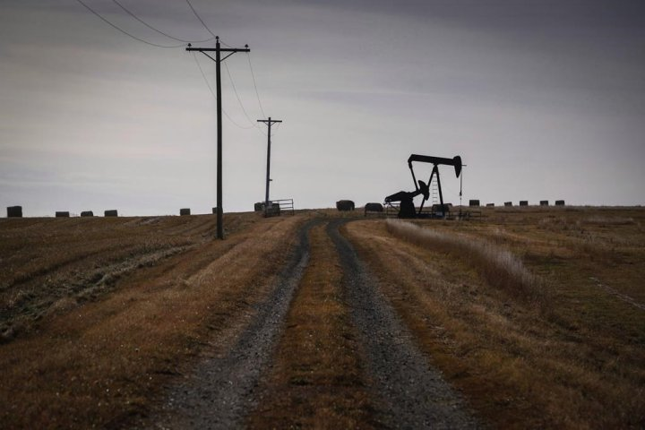 Lawyer denies accusation that man leading Alberta oil inquiry is biased