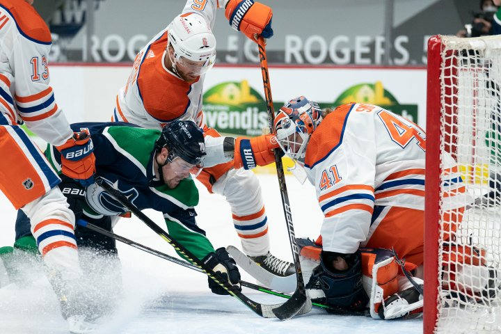 Mike Smith leads Edmonton Oilers to 3-0 win in Vancouver