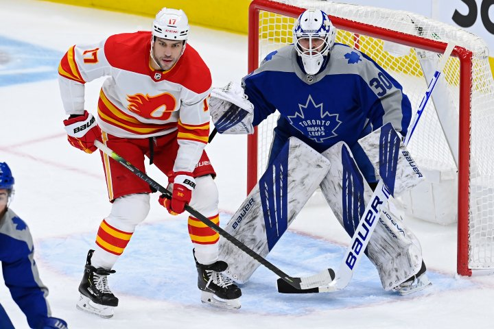'Misunderstood' Nylander ties game late, scores winner as Leafs beat Calgary Flames 2-1 in OT