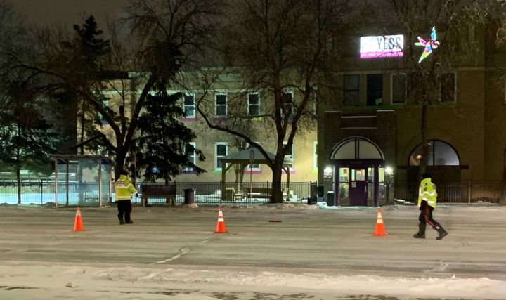 Pedestrian seriously hurt after being hit by vehicle in Bonnie Doon area: Edmonton police