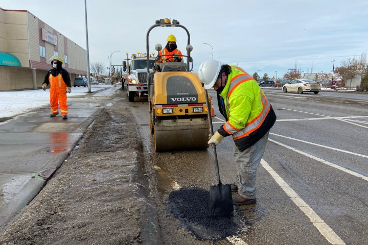 Edmonton road crews 'very proactive with potholes' so far this year