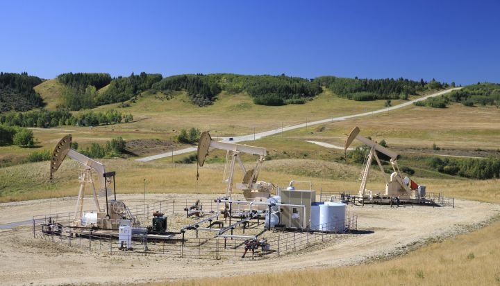 Whitecap Resources raises 2021 production target as it completes 2 takeovers