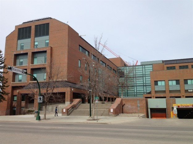 Lethbridge doctor becomes 7th Alberta health-care worker to die from COVID-19