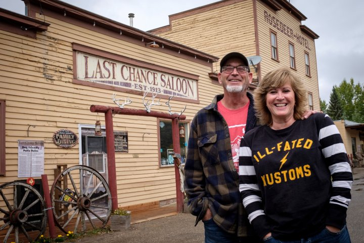 'It was a going concern': Remaining bar and hotel in Alberta coal ghost town for sale