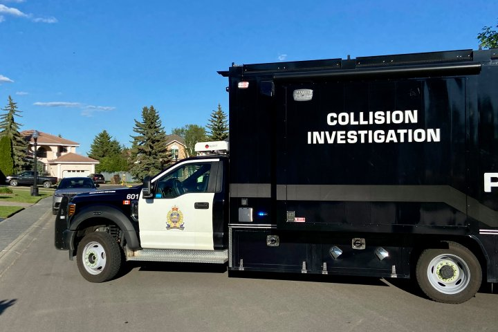 2 pedestrians sustain serious injuries in southwest Edmonton collision