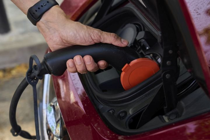 Electric vehicle charging stations to be installed in Leduc