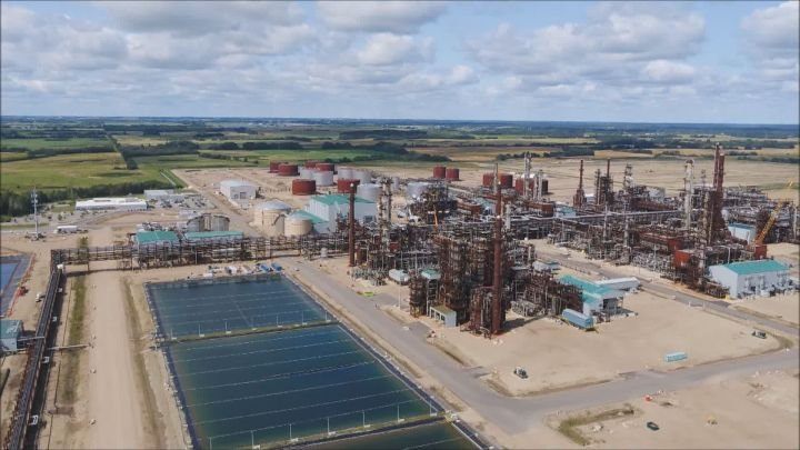 2 new carbon capture hubs could be built in Canada by 2030: government document