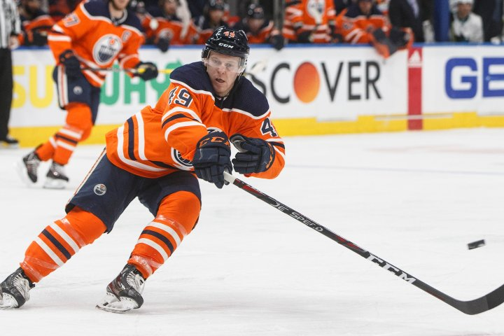 Edmonton Oilers sign forward Tyler Benson to one-year deal