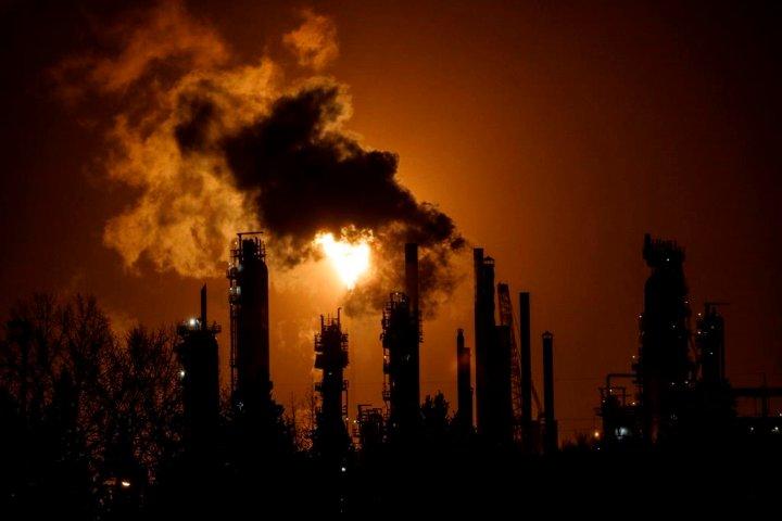 Alberta communities lukewarm to Liberals' $2B pledge to help 'transition' oil workers