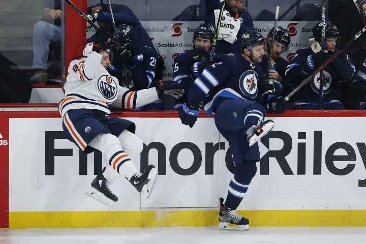 Edmonton Oilers fall 5-1 to Jets in Winnipeg