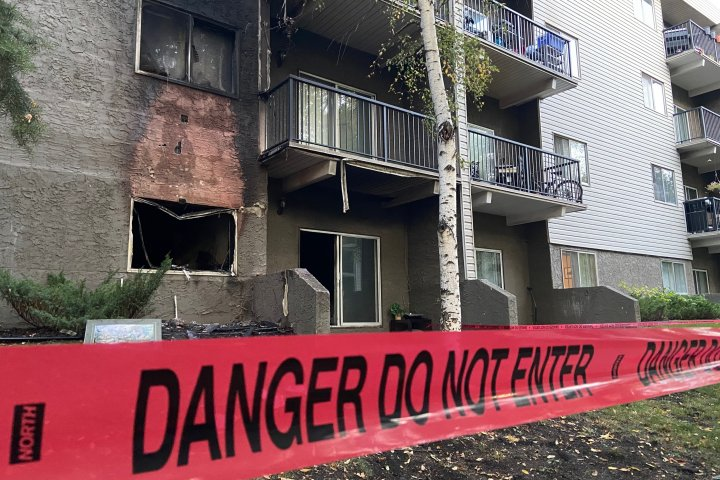 Edmonton firefighters respond to morning apartment fire in Belvedere area
