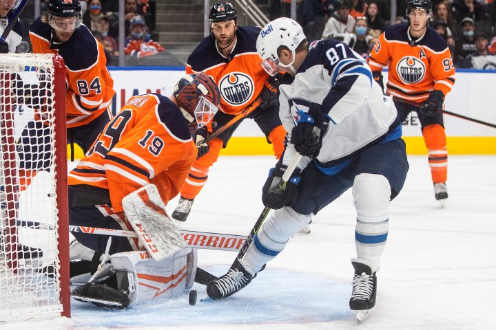 Edmonton Oilers hold off Jets for 4-3 win